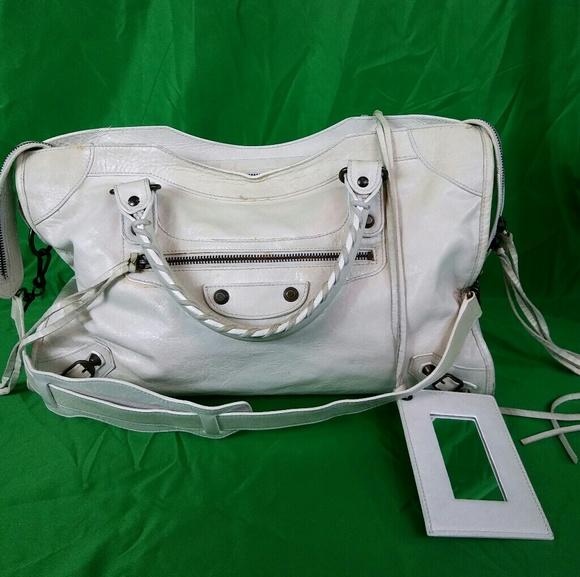 19feff97ed Balenciaga Handbags - Balenciaga Cuir Chevre Pleine Fleur Aniline Laiton